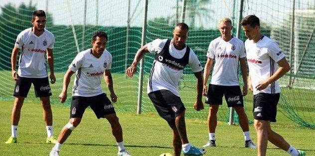 Beşiktaş, hazırlıklarını sürdürüyor