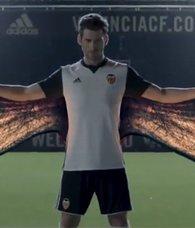 Valenciadan müthiş forma tanıtımı!