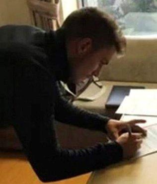 İlhan Cavcav'la hastanede imzaladı