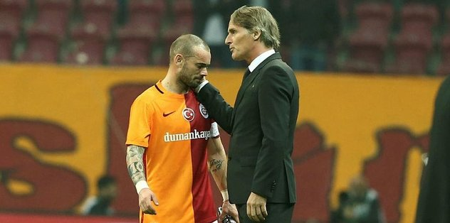 """""""Sneijder Galatasaray'da kalacak"""""""