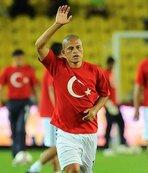 Alex Türk halkına teşekkür etti