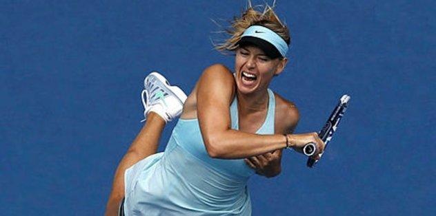 Sharapova '2 numarayı' yendi