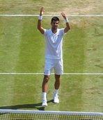 Djokovic turu rahat geçti