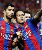 Messi ve Ronaldo'yu geçti