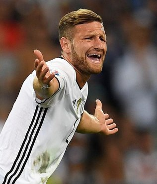 Mustafi Arsenal'de