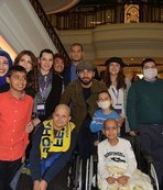 Kanserle mücadele eden çocuklarla buluştular