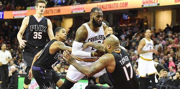 Cavaliers LeBron James ile kazandı