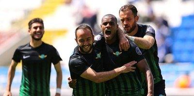 F.Bahçe'den Akhisarlı futbolcuya kanca
