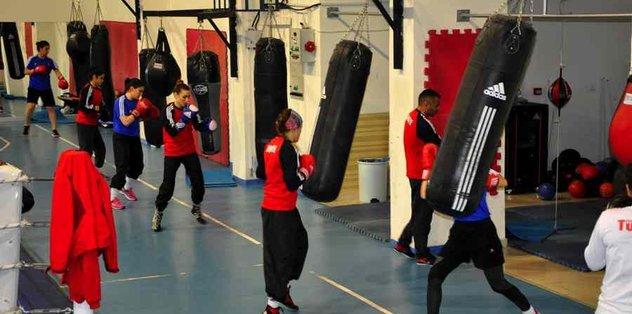 Genç milli boksörler Kastamonu'da kampa girdi