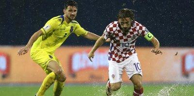 Hırvatistan-Kosova maçı yarıda kaldı