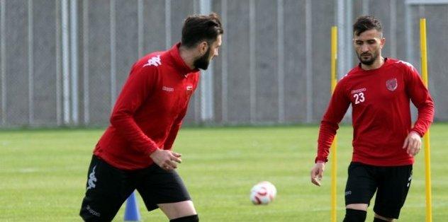 Samsunspor, 3 futbolcu ile yollarını ayırdı