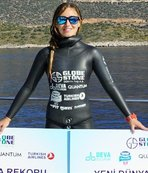 Turkish diver breaks new freediving record