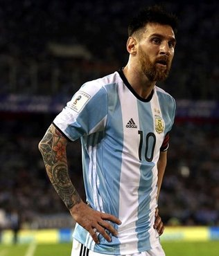FIFA'dan Messi'ye 4 maç ceza!