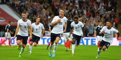 İngiliz futbolculara internet uyarısı
