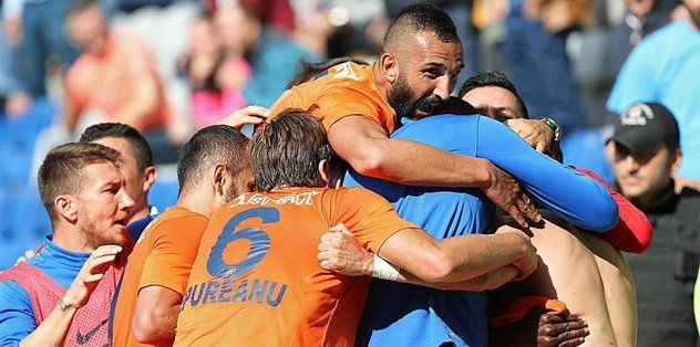 Basaksehir lead Turkish league