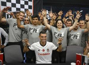 Taraftarlardan Pepe'ye büyük ilgi