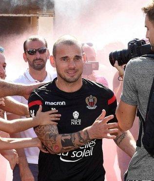 Sneijder, Fransa'da yılın bidonu seçildi