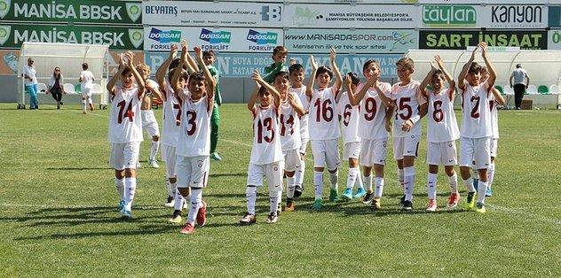 Turnuvanın şampiyonu Galatasaray oldu
