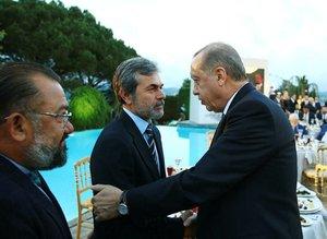 Cumhurbaşkanı Erdoğan İstanbulda sanatçı ve sporcularla iftar yaptı