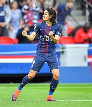 Fransa'da ay�n futbolcusu Cavani