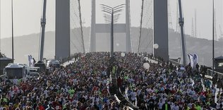 Thousands run in Istanbul Marathon