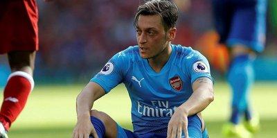Mesut Özil fena patladı