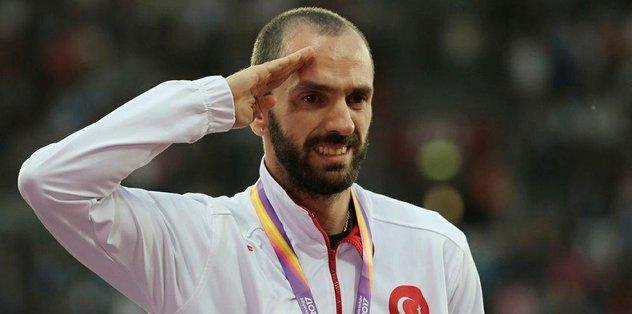 Ramil altın madalyasına kavuştu