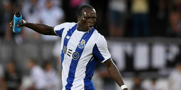 Aboubakar yeniliyor!