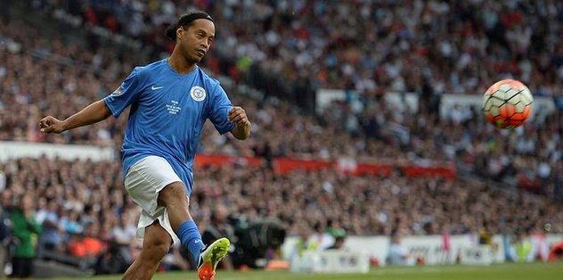 Ronaldinho'da Chapecoense'ye jest