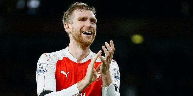 Arsenal'den Mertesacker'e yeni görev