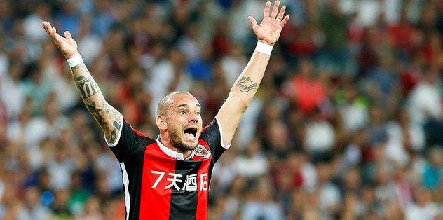 Sneijder ıslıklandı