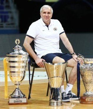 Sırp hoca yılın antrenörü seçildi
