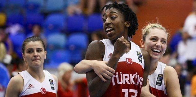 Türkiye, yarı final için parkede