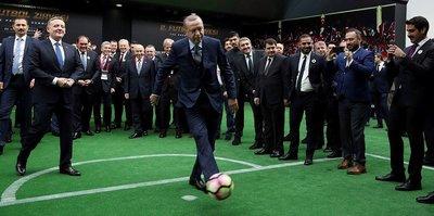 Cumhurbaşkanı Erdoğan: Aslan payı futbola