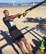 Marcelo sahilde çalışıyor
