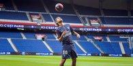 Neymar Parisi salladı