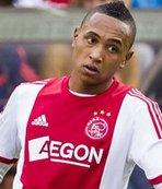 Sağ bek Ajax'tan