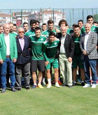 Bursaspor'a efsanelerden moral desteği