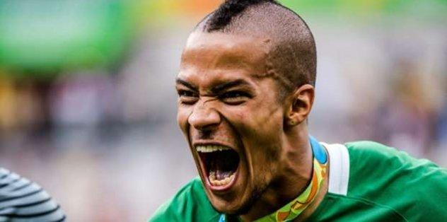 Ekong ile 3 yıllık anlaşma sağladı