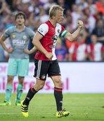 Feyenoord dolu dizgin