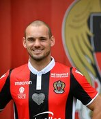 Sneijder imzayı attı