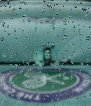 Wimbledon'a yağmur engeli