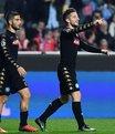Napoli Benfica'yı devirdi