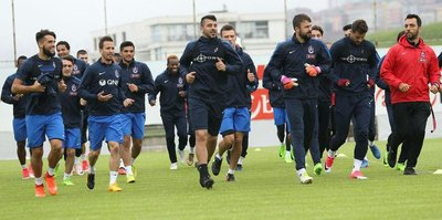 Trabzonspor, ilk çalışmasını yaptı
