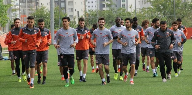 Adanaspor'da Başakşehir mesaisi başladı