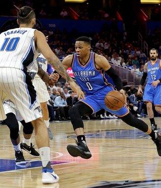 """Westbrook'tan 57 sayılık """"triple double"""""""