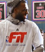 LeBron James'ten esprili Curry yorumu