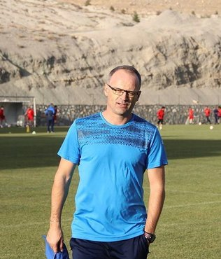 Yeni Malatyaspor Teknik Direkt�r� Buz