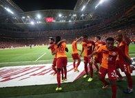 Yazarlardan Galatasaray yorumu