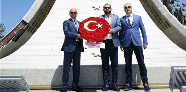 Atatürk ve 15 Temmuz şehitlerine ziyaret